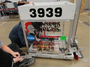 2015 - JRHS Robotics - Build Season (92)